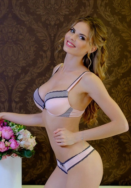 Комплект белья: бюст push-up и стринги 6420T LoraIris (несколько цветов) LoraIris